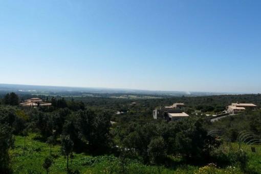Amplio solar con vistas a la bahía de Palma en la exclusiva urbanización Puntiró