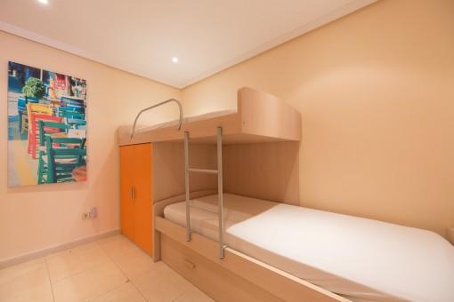 Precioso piso peque o en un complejo residencial con - Vivir en un piso pequeno con ninos ...