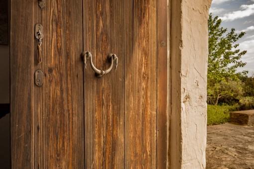 Puerta de la finca