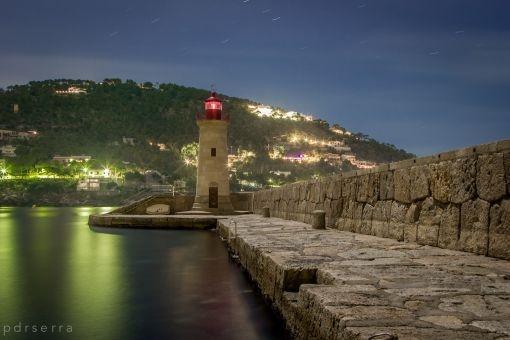 Vistas al puerto por la noche