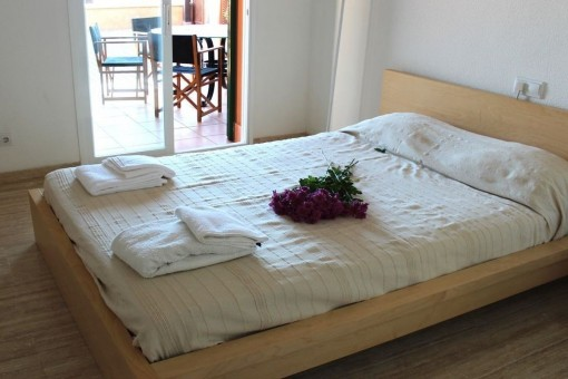 Dormitorio con acces a la azoteoa