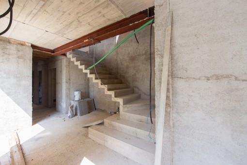 Escalera sube a la planta arriba