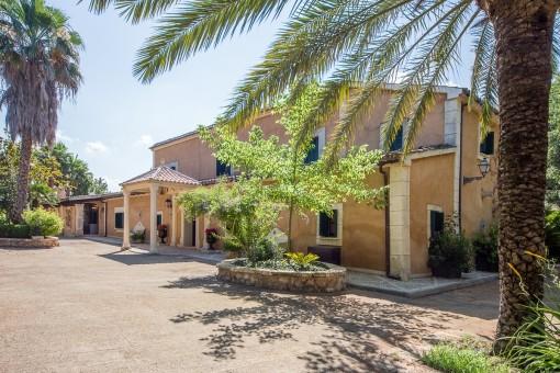 Finca fantástica con un jardín precioso y 3 casas de invitados cerca de Palma