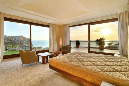 Uno de 3 dormitorios con ventanas panorámicas