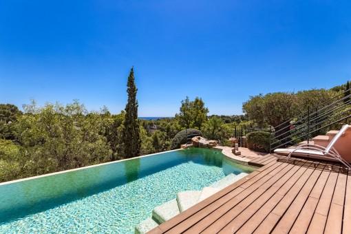 Incre ble pareado en portals con piscina climatizada for Apartamentos con piscina propia
