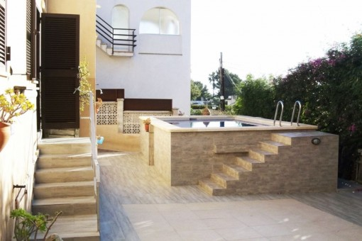 Terraza con piscina