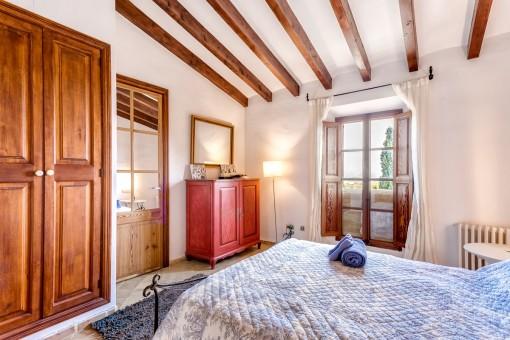 Todos los dormitorios tienen aire acondicionado y calefacción central