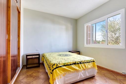 Dormitorio doble luminoso