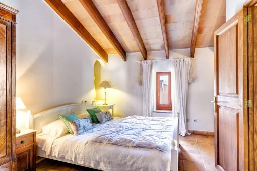 Agradable dormitorio principal en la planta superior