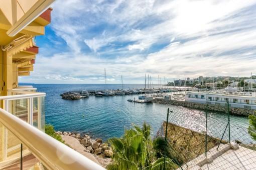 Impresionante apartamento nuevo con vistas al mar desde la terraza