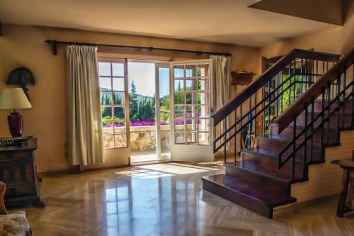 Las escaleras que dan acceso a los dormitorios