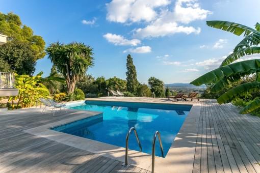 Villa fantástica con piscina