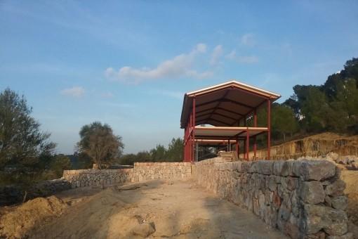 El proyecto de la finca está ubicado en un terreno extenso