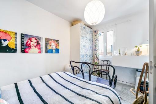 El apartamento ofrece 2 dormitorios