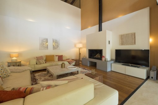 Sala de estar muy luminosa y espaciosa