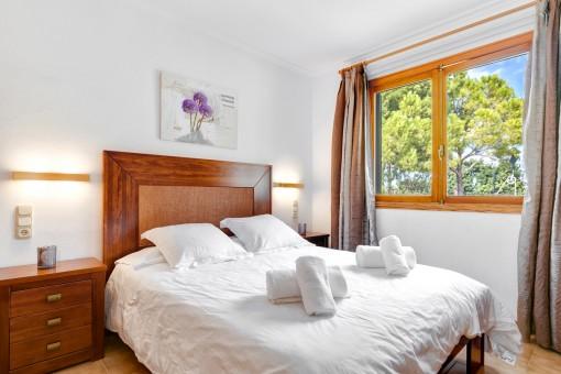 Confortable dormitorio doble