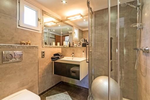 Cuatro de los baños están en suite