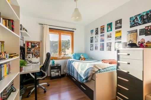 El tercer dormitorio con cama individual