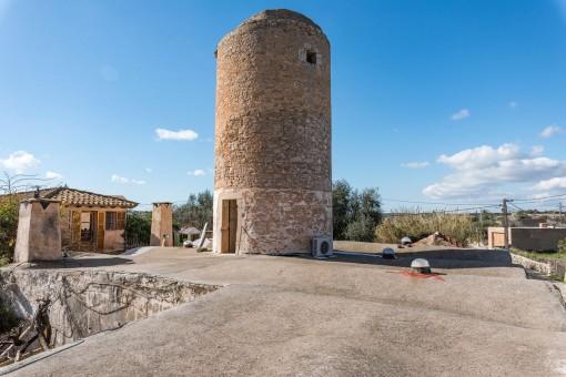 En el punto más alto se puede disfrutar de unas vistas magníficas sobre Santanyí