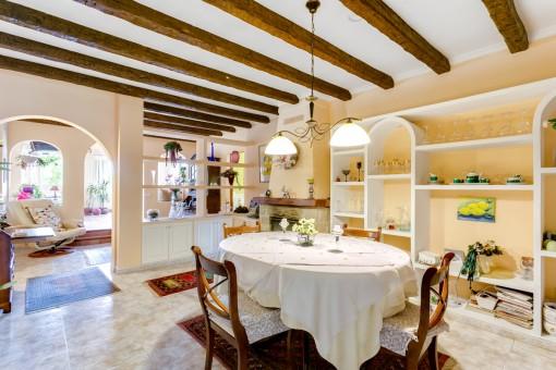 La encantadora casa tiene una superficie habitable de 239 metros cuadrados