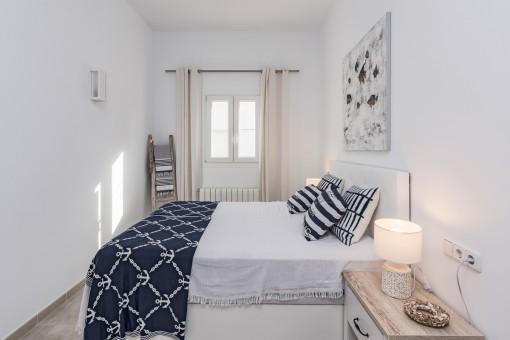 Dormitorio hermoso con calefacción
