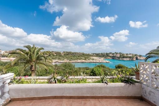 Apartamento vacacional con espléndidas vistas al mar en Cala Mandia