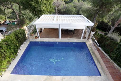 Vistas de la piscina de arriba