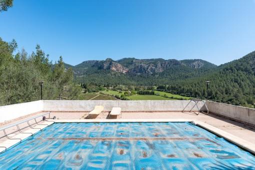 Zona de piscina con fantásticas vistas panorámicas