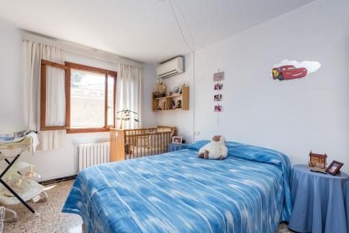 Dormitorio doble con calefacción y aire aconditionado