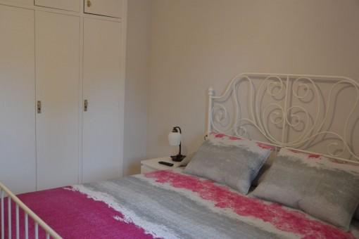 Todos los dormitorios ofrecen armarios empotrados