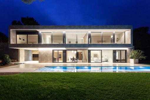 Imponente chalet de diseño con piscina grande en una buena zona de Santa Ponsa