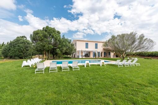 Finca mediterránea nueva y muy bonita con licencia para alquiler vacacional en Felanitx