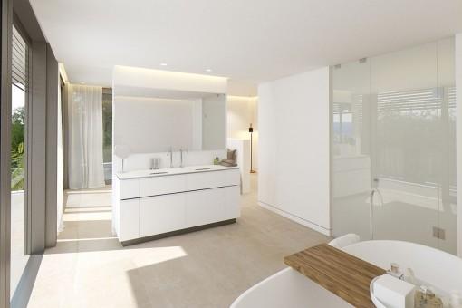 El baño en suite abierto