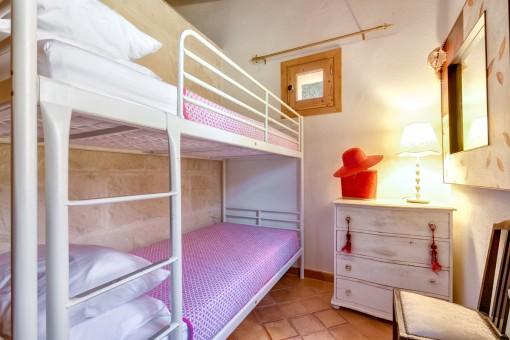 Dormitorio de niños de la finca
