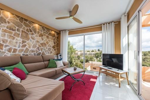 Acoegdora sala de estar con ventilador