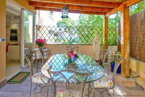 Comedor a fuera en la terraza
