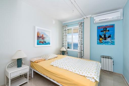 El segundo dormitorio con vistas al mar
