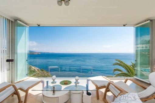Bonito piso con fantásticas vistas panorámicas al mar en Cala Vinyas