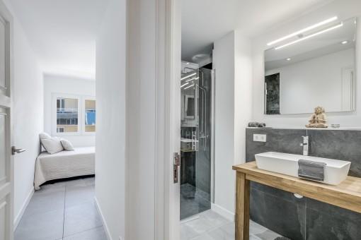 El piso ofrece un ambiente elegante
