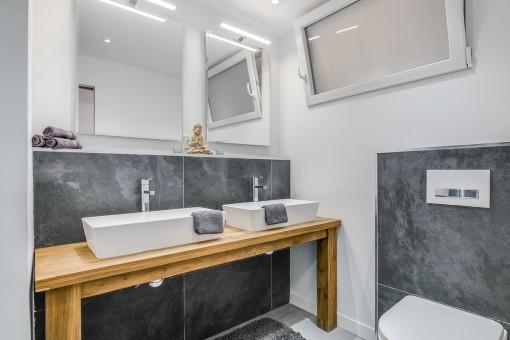 Vista alternativa del baño
