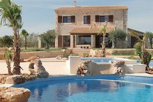 Típica finca mallorquina con una preciosa zona de piscina en Santanyí
