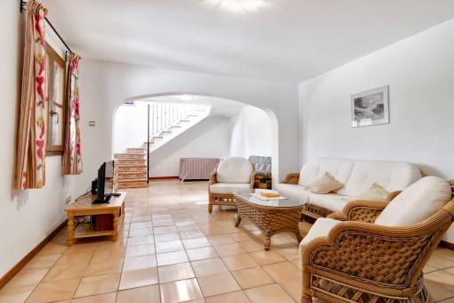 La sala de estar en la planta baja es ideal para los invitados