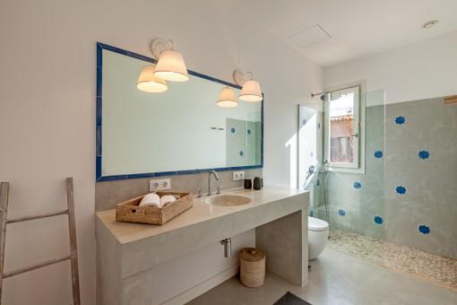 Baño en suite elegante