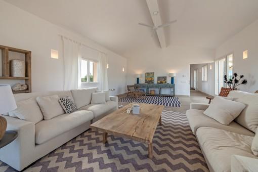 Espasciosa sala de estar