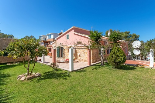 Chalet con 4 dormitorios y vistas al mar y a la bahía de Santa Ponsa