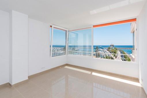 Dormitorio maravilloso con vistas al mar