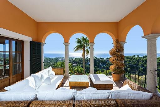 Villa de estilo mediterráneo con vistas magnificas al mar en Costa d'en Blanes