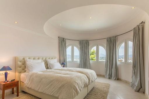 Lujoso dormitorio doble