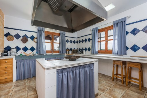 Idílica cocina con isla central