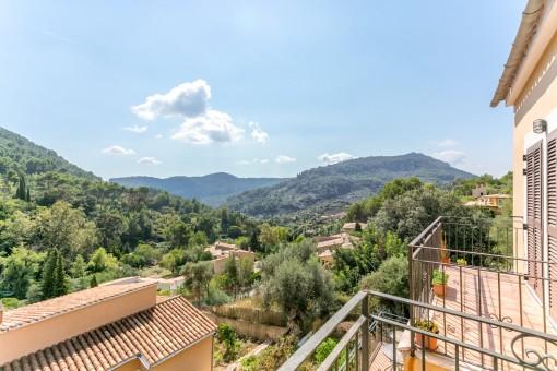 Casa moderna con vistas, piscina y a un paso del pueblo Valldemossa
